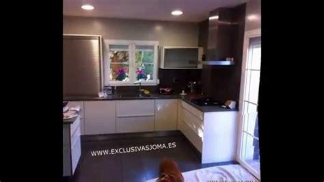 muebles de cocina en color blanco  negro exclusivas joma