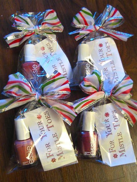 diy nailpolish   mistle toes homemade christmas