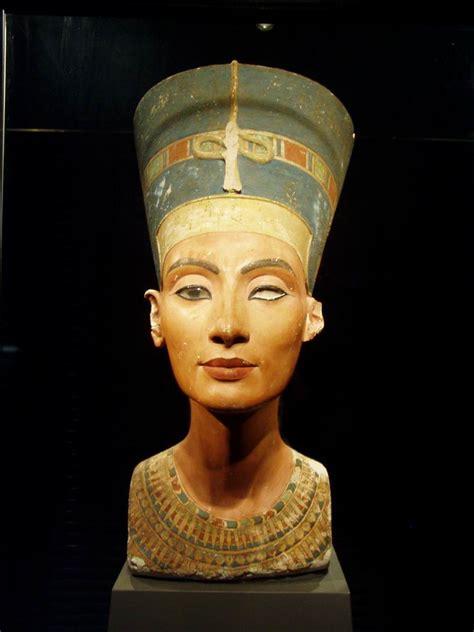 Nefertiti Forse Ci Siamo! Egittophilìa