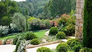 un jardin mediterraneen en terrasse jardins de With beautiful amenagement petit jardin mediterraneen 0 jardin contemporain jardin mediterraneen une creation