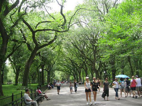 City Parks, London, Paris & New York   accentBritain