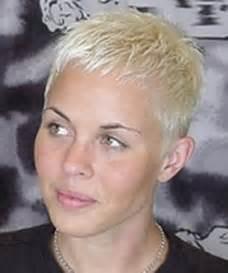 coupe courte cheveux ã pais coiffure coupe courte femme 2014 coupe cheveux courts design bild