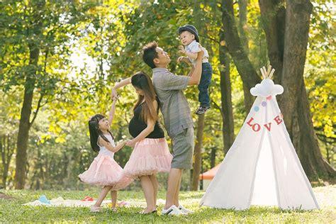 Fotos De Baby Shower outdoor family maternity photoshoot at west coast park