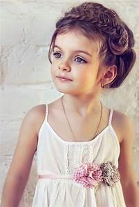 Coiffure Enfant Tresse : coiffure petite fille pour mariage 30 filles d 39 honneur superbes coiffure coiffure petite ~ Melissatoandfro.com Idées de Décoration
