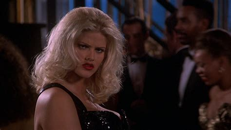 Image Tanya Peters In Naked Gun 3 Played By Anna Nicole Smith 334 Evilbabes Wiki