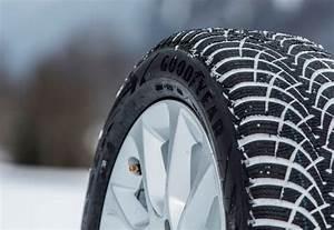 Goodyear Ultragrip 9 : le meilleur pneu hiver 2015 2016 popgom ~ Maxctalentgroup.com Avis de Voitures