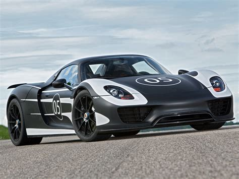 hybrid porsche 918 the porsche 918 spyder is a hybrid you 39 ll lust after
