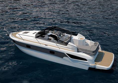bavaria presenta dos nuevos barcos de motor
