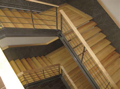 escalier m 233 tallique int 233 rieur courante et marches bois garde corps rant avec