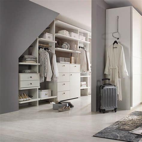 Bilder Begehbarer Kleiderschrank by Ordnung Mit System Der Begehbare Kleiderschrank