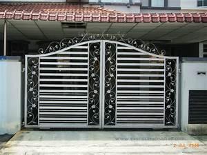 Gate designs compound wall