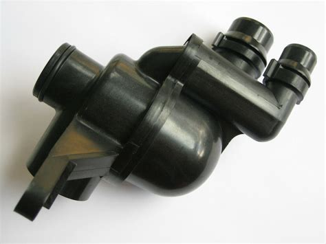 Land Rover Engine Coolant by 02 05 Land Rover Freelander Engine Coolant Thermostat 2 5l