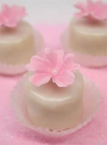 Petit Fours Hochzeit : petit fours recipe sweet tables cupcakes co kuchen s es und geb ck ~ Orissabook.com Haus und Dekorationen
