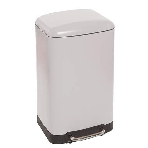 poubelle a pedale cuisine poubelle rectangulaire à pédale 30 litres blanc mat