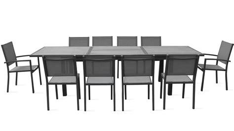 table et chaise de salon table et chaise de jardin salon en aluminium effet bois 10