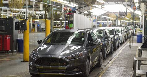 ford moving  production  small cars    mexico
