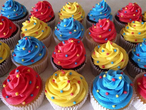primary color cupcakes my cakes primary