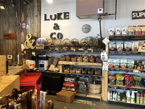 Denver's premier organic pet food store, a pet's paradise, is proud to offer natural balance, great life, nature's variety, k9 natural, taste of the wild, and many other organic pet food brands. Dog-Friendly Denver: The Best Locally Owned Pet Stores - 5280