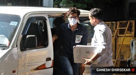 Bharti Singh, Haarsh Limbachiyaa arrested