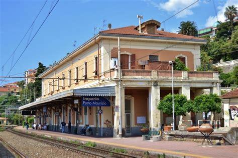Meteo It Imperia Porto Maurizio by Sul Treno Senza Biglietto Scende E Danneggia La Stazione