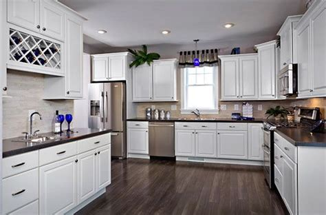 white and kitchen cabinets 17 best manufactured homes kitchen images on 1734