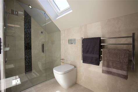 Interior: Minimalist Bathroom Floor And Bathroom Wall