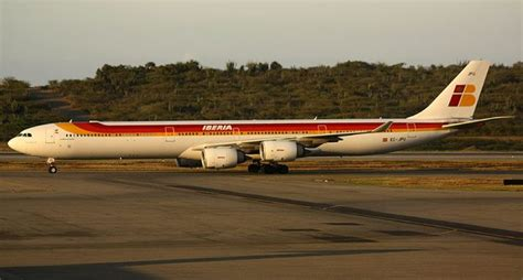 Iberia A340 600 Suffers Hard Landing In Quito (+Video