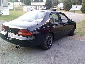Salvador3284 1994 Nissan Altimagxe Sedan 4d Specs  Photos