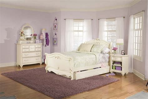 Bedroom Affordable Broyhill Bedroom Design For Peace And