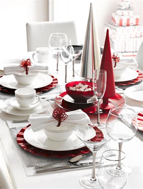 table setting for christmas 35 christmas table settings you gonna love digsdigs