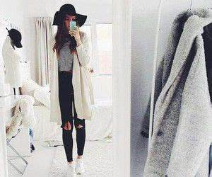 Black ripped jeans Ootd and Cardigans on Pinterest
