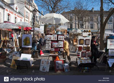 A Street Art Market Montmartre Sacre Coeur In The