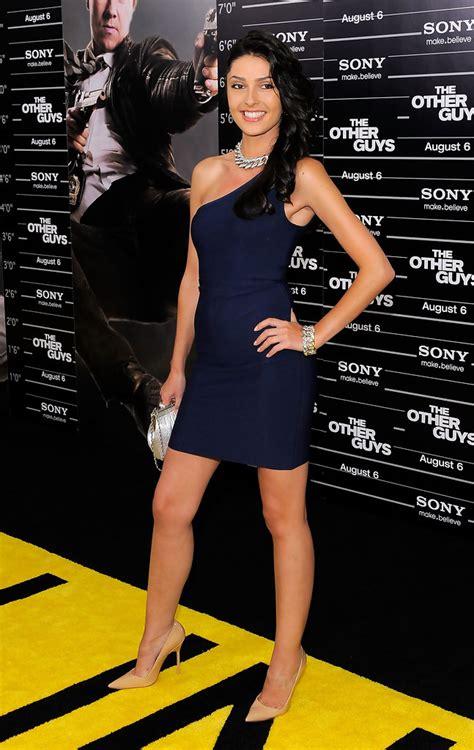 Tess Kartel Dresses & Skirts Looks - StyleBistro