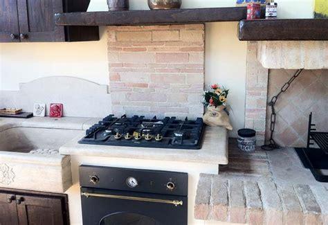 Cucina Con Camino by Cucina In Muratura Con Caminetto Cucine In Muratura