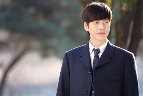 Park Hae-jin gives an update on his new drama 'Man to Man