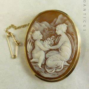 Cameo Brooch or Pin, 18ct Gold, Mother and Child. (C13733 ...