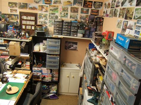 hobby rooms mancaves    build modelers