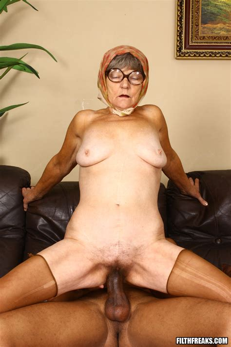 granny goes cookoo for cock pichunter