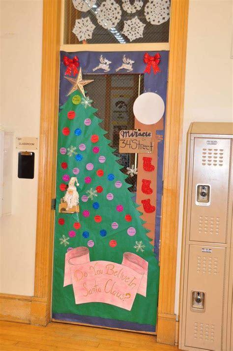 innovative classroom door christmas decoration ideas