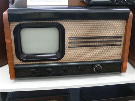 what year did the color tv come out telev 237 zor wikip 233 dia