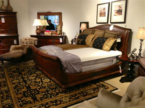 thomasville furniture aberdare king leather sleigh bed