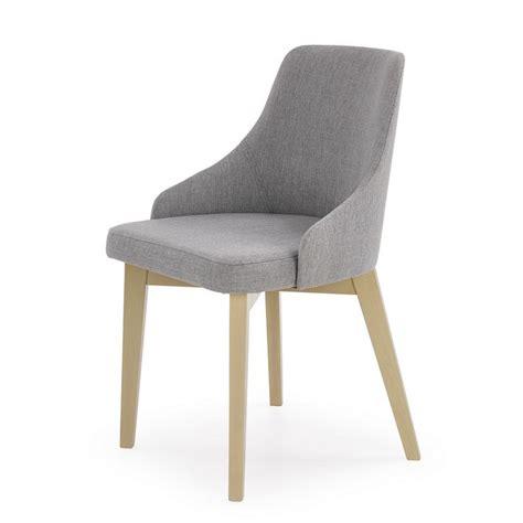 nettoyer des chaises en tissu chaise fauteuil tissu gris inri91 avec bois massif dossier enveloppant