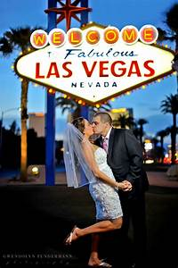 Las vegas wedding photos vegas destination wedding san for Las vegas wedding online