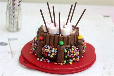 cuisiner avec tupperware gâteau d 39 anniversaire pour enfant ultra facile et le plat