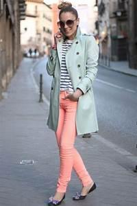 How To Wear Colored Jeans u2013 Chic Combination Ideas 2018   FashionGum.com