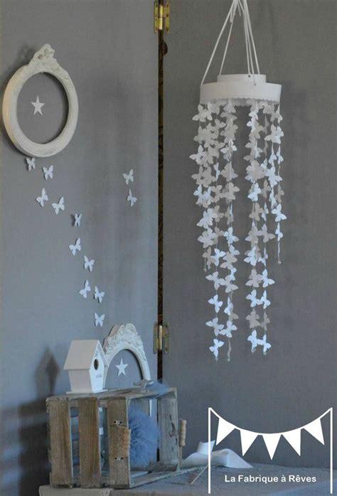 deco chambre mixte fille garcon mobile papillon blanc décoration chambre enfant bébé fille