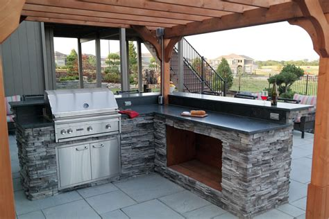 kansas city outdoor kitchens  high prairie landscape group