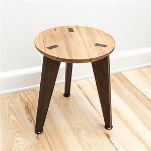 Hocker Aus Holz : hocker rank stool von roon rahn i holzdesignpur ~ Markanthonyermac.com Haus und Dekorationen