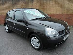 Used Renault Clio Car 2004 Black Diesel 1 5 Dci 65 Expression Hatchback For Sale In Southampton