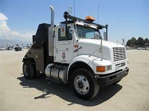 2000 International 8100 S  A Toter Truck